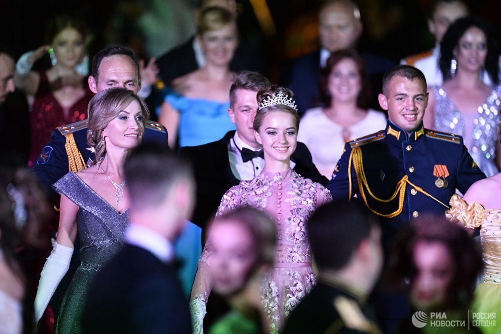 фото:офицерский бал. РИА Новости