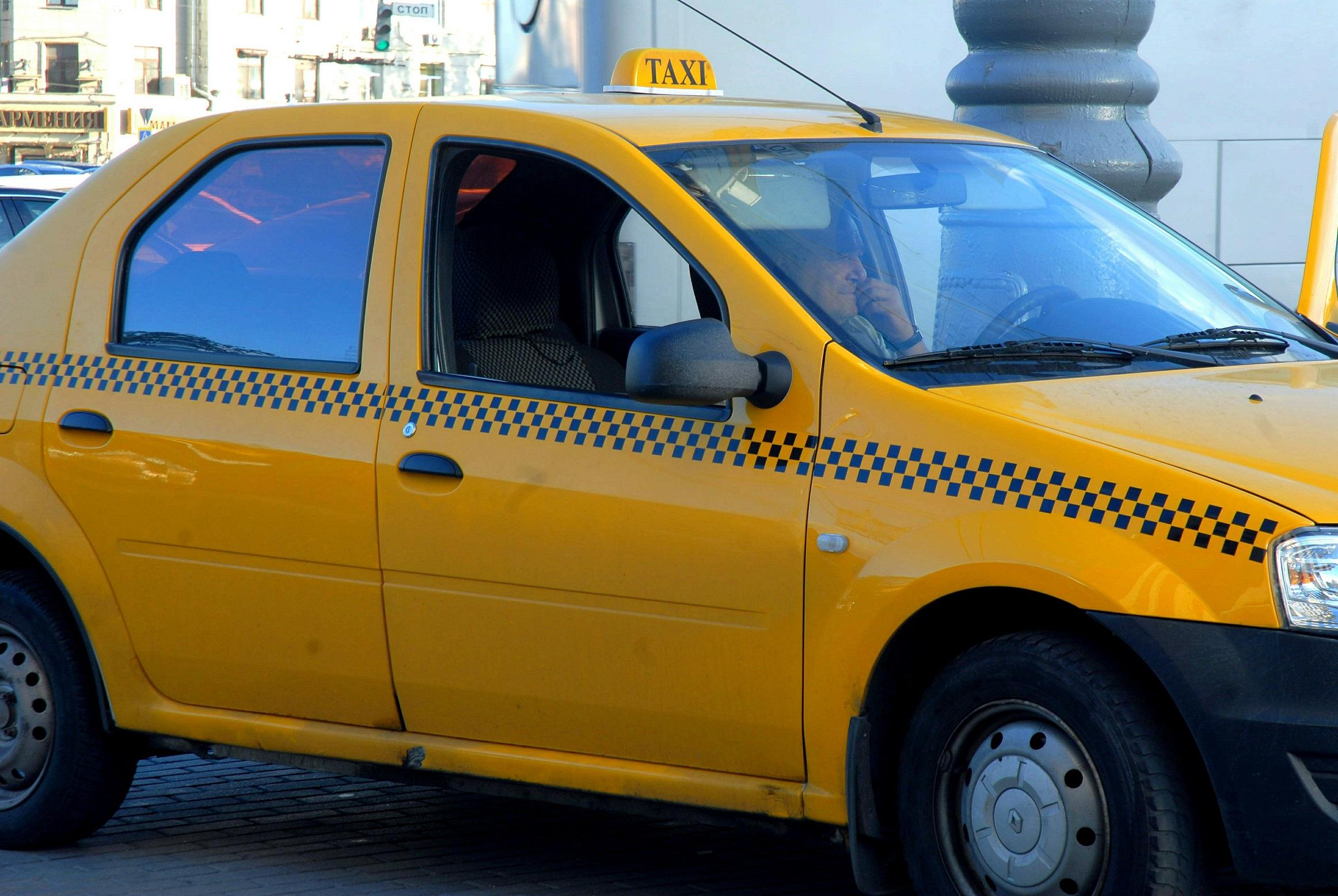 Волгоградский таксист выстрелил влицо пьяному пассажиру
