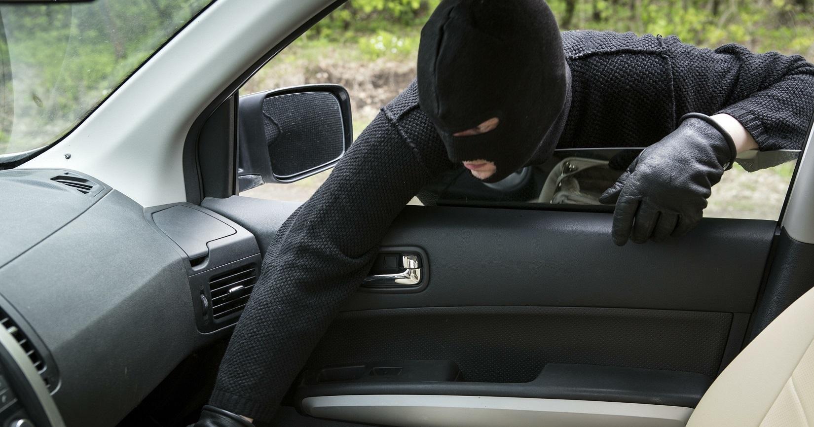 ВДзержинском районе Волгограда задержали серийного похитителя видеорегистраторов