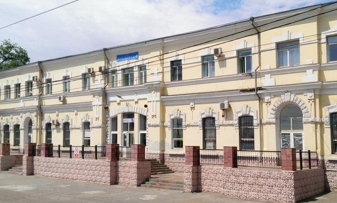 Вокзал «Волгоград— II» был нелегально перекрашен всерый цвет
