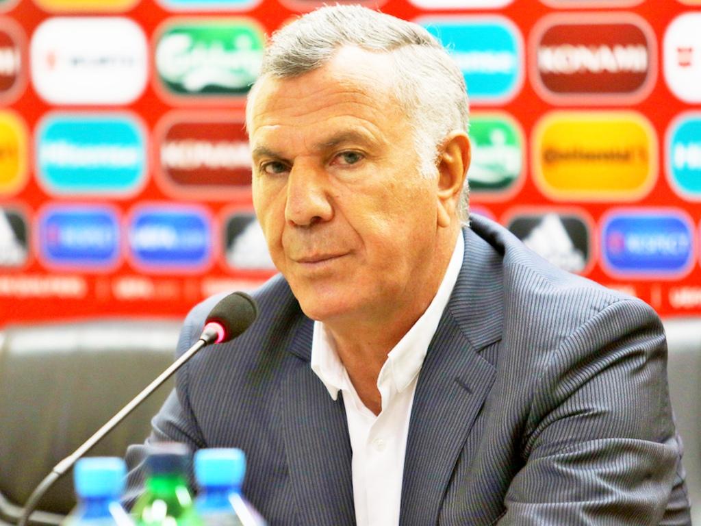 Сукиасян подал вотставку споста основного тренера сборной Армении