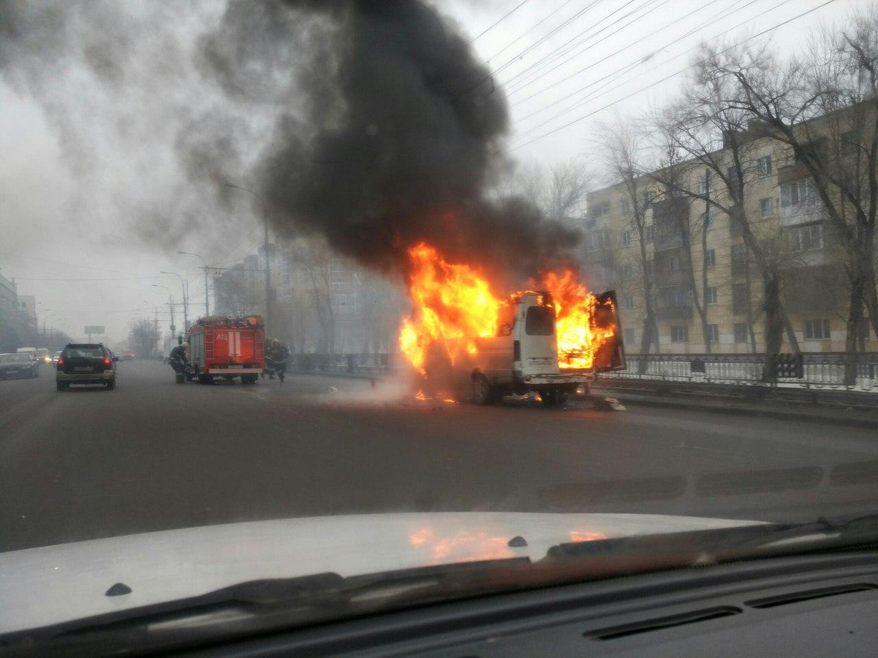 ВВолгограде наЦПКиО выгорела маршрутка