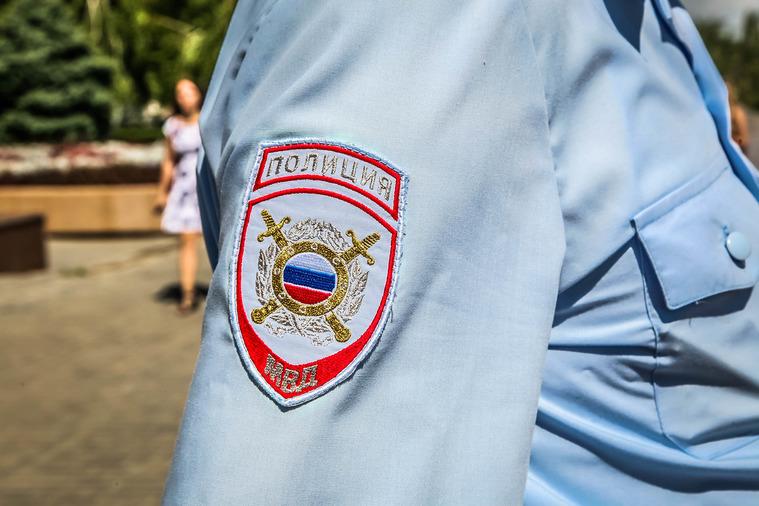 ОПГ, вкоторую входили 3 полицейских, задержана в столице России