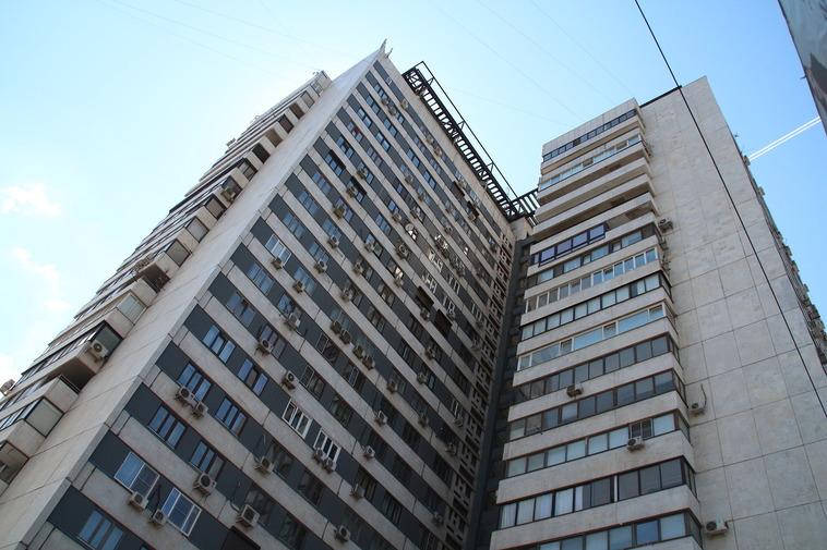 В российской столице  отец несмог спасти сына отпадения с17-го этажа