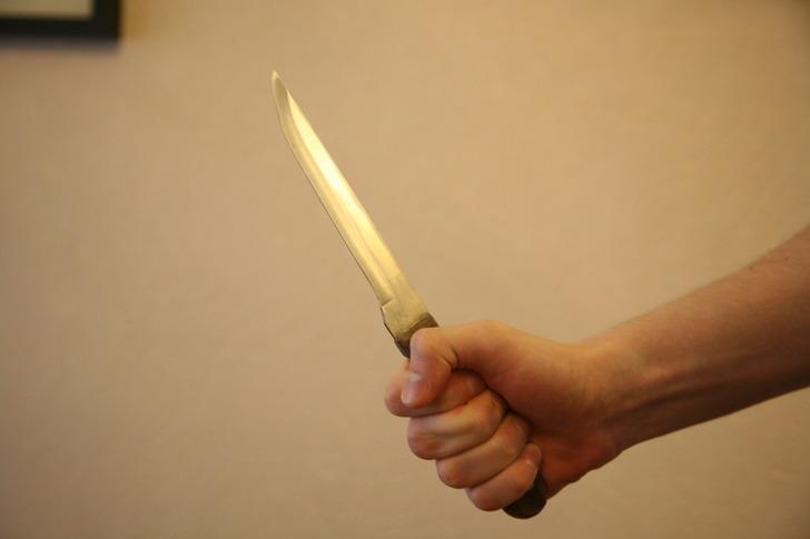 ВРыбинске осудили 24-летнего молодого человека, исполосовавшего ножом свою соседку по«коммуналке»