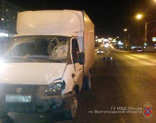 Наюге Волгограда фургон сбил насмерть 67-летнего пешехода