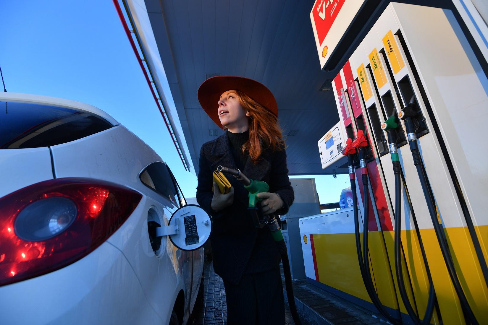 Вконце весны  рост цен разработчиков  бензина составил около  2,5% - Росстат