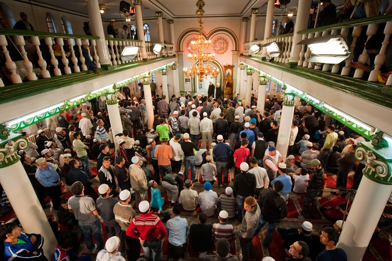 Мусульмане Адыгеи отмечают праздник Ураза-Байрам