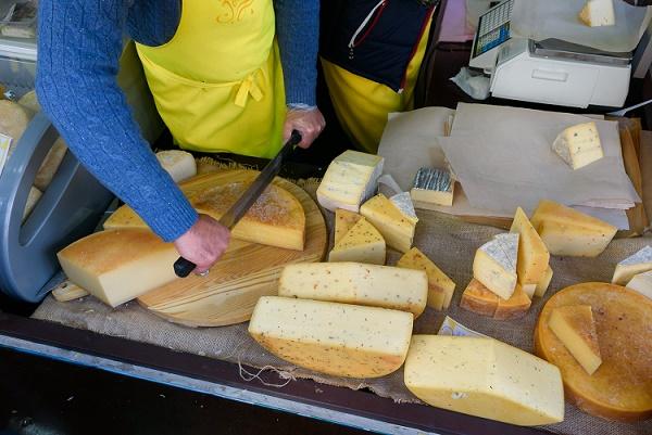 Россельхознадзор временно запретил поставки сыра салтайского завода «Вимм-Билль-Данн»