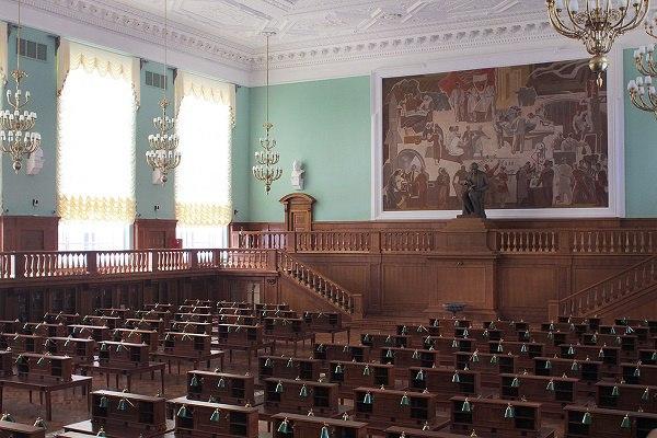 ВРГБ после реконструкции открылся большой читальный зал