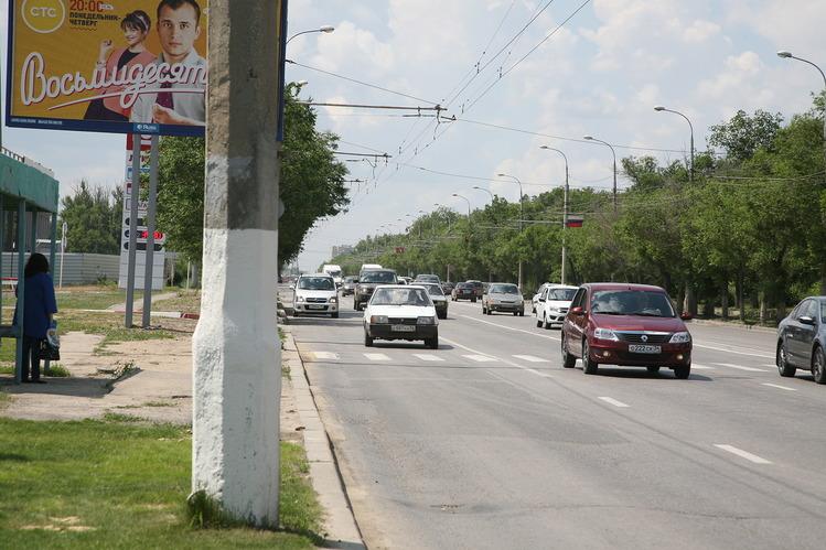 Штраф до2,5 тыс. руб. могут платить водители, непропустившие пешеходов