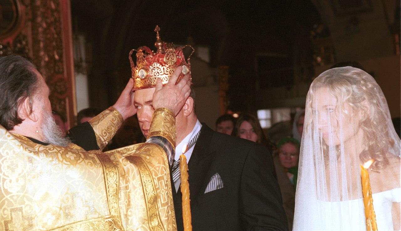 РПЦ официально запретила церковные однополые браки