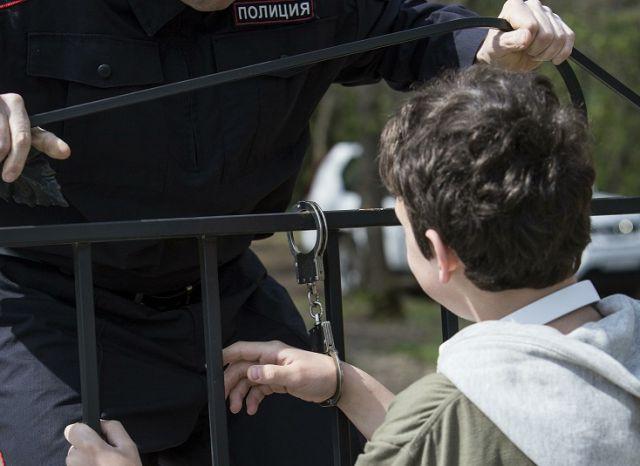 ВВолгограде двое девятиклассников пытались угнать машину