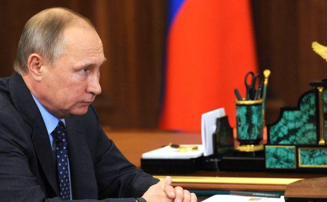 Путин отправил вотставку 16 генералов силового блока