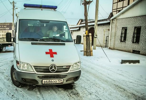 Дума предложила пожизненно лишать прав занепропуск машин скорой помощи