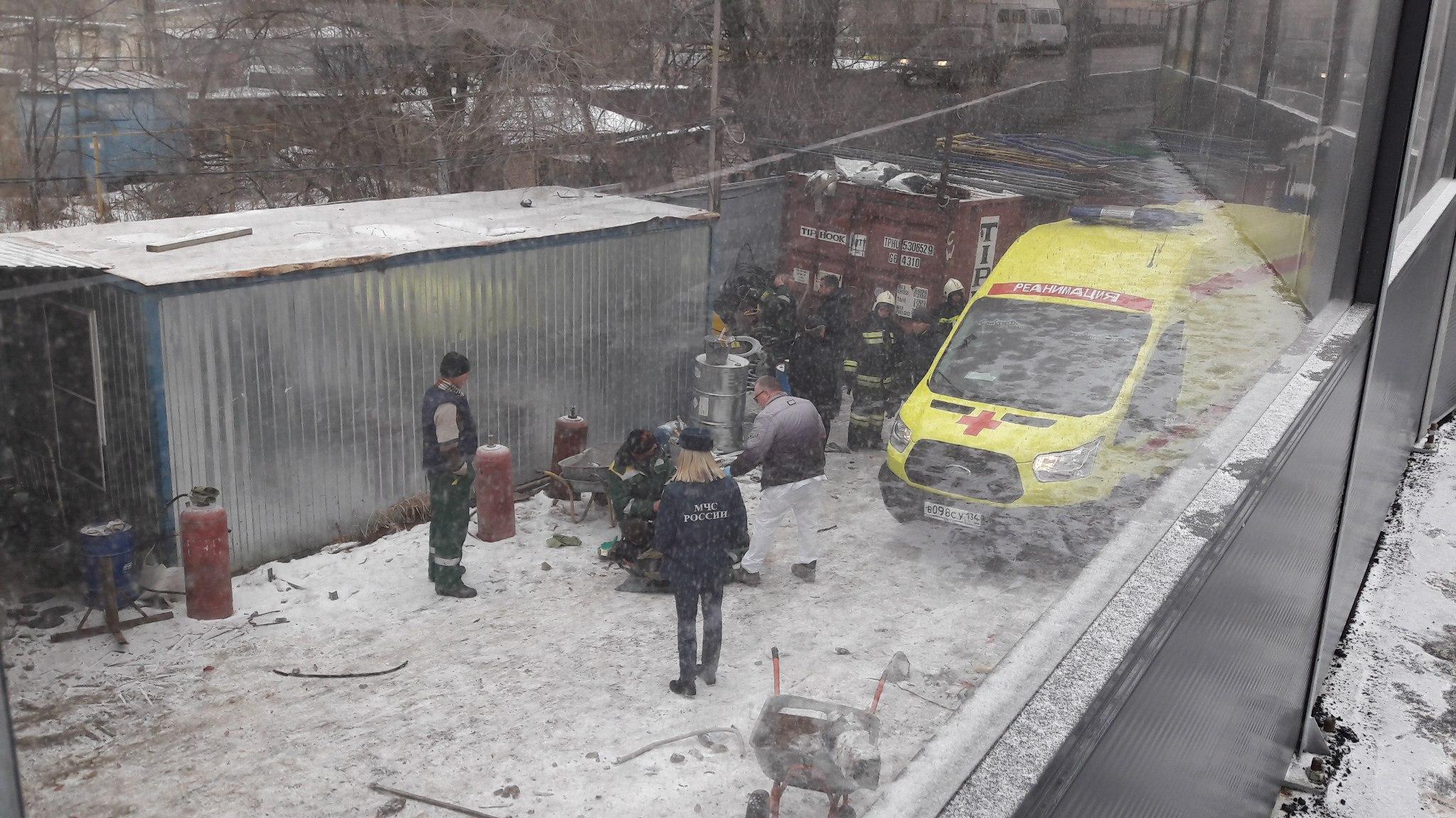Газовый баллон взорвался наКомсомольском путепроводе вцентре Волгограда: пострадали два человека