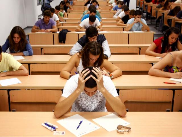 МинобрнаукиРФ: размер стипендий будет зависеть отуспеваемости студентов