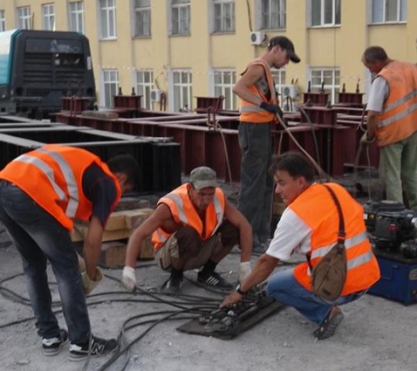Подрядчик капремонта моста вцентре Волгограда попал вчерный список