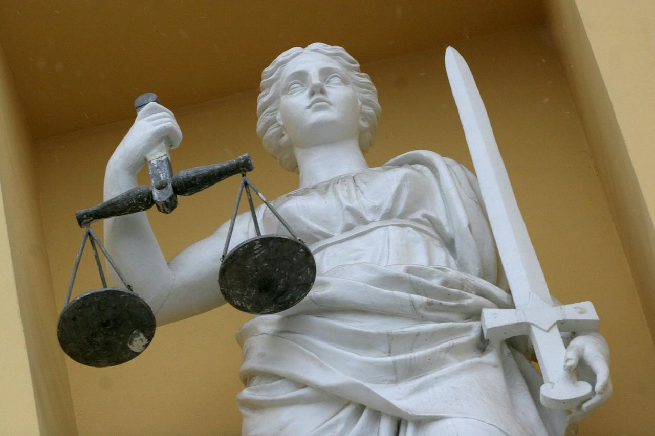 Суд вВолгограде отправил убийцу скирпичом на11 лет вколонию