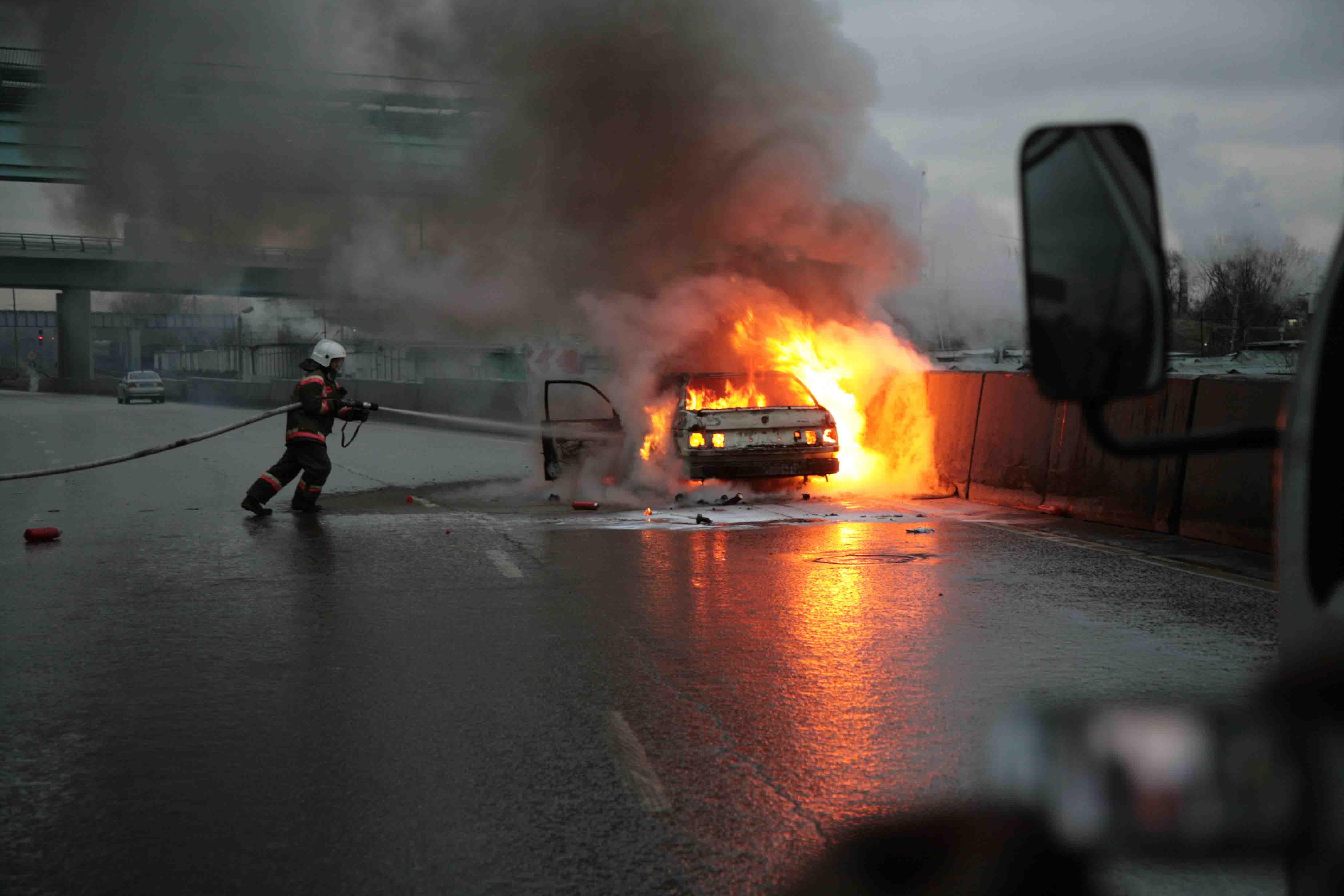 За минувшие сутки в Советском районе Волгограда сгорели 5 машин