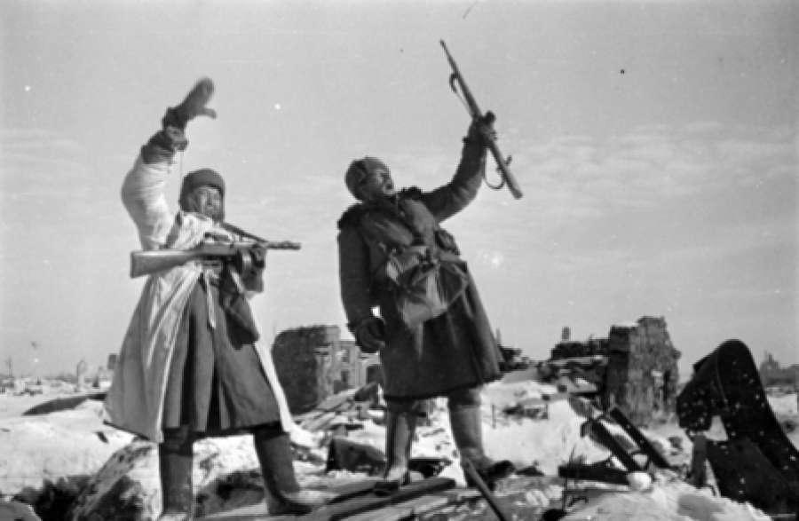 СМИ показали Сталинградскую битву глазами фотохудожников