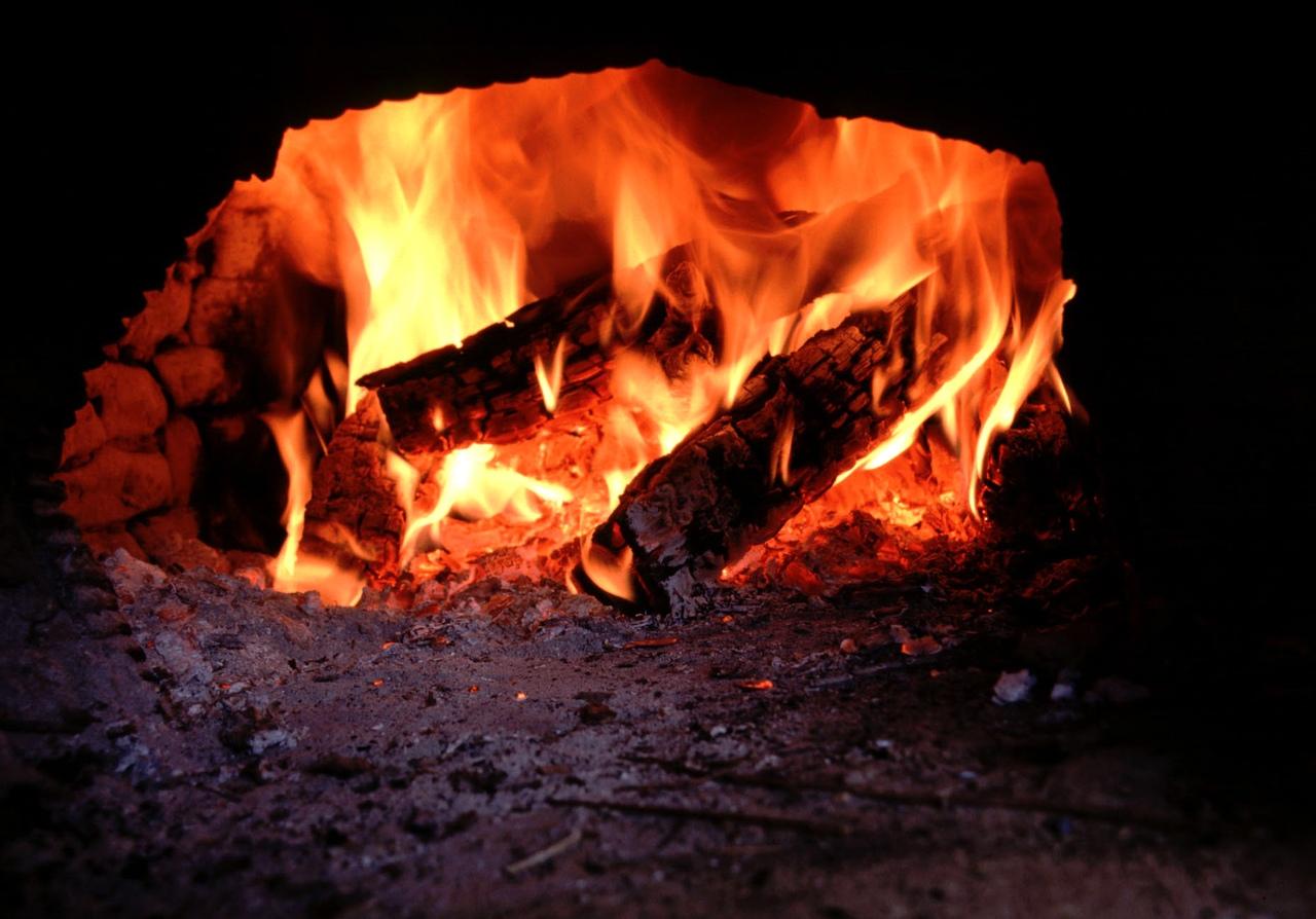 В Волгоградской области пожилые супруги отравились угарным газом