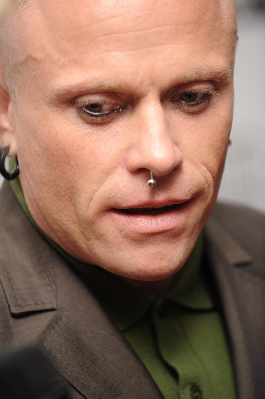 Полиция не видит ничего подозрительного в смерти вокалиста The Prodigy