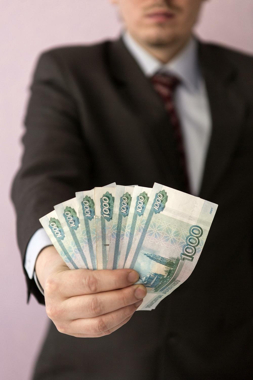 Больше 20% волгоградских работодателей платят сотрудникам меньше МРОТ