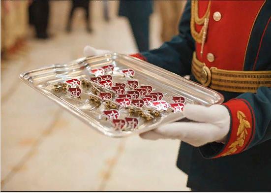 С военным оркестром и почетным караулом в ряды юнармейцев вступили волгоградские школьники
