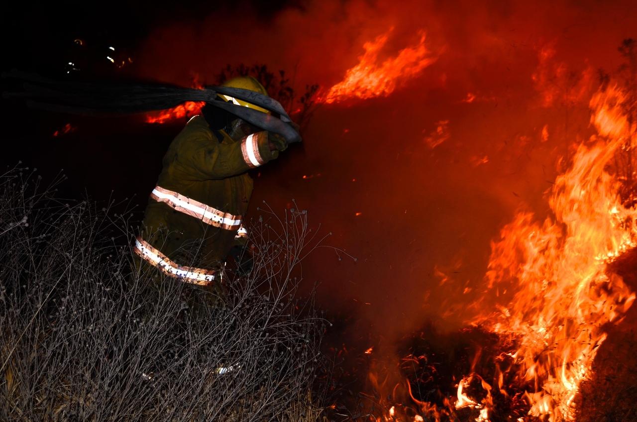 В Волгограде из-за неосторожного обращения с огнём случилось 2 пожара