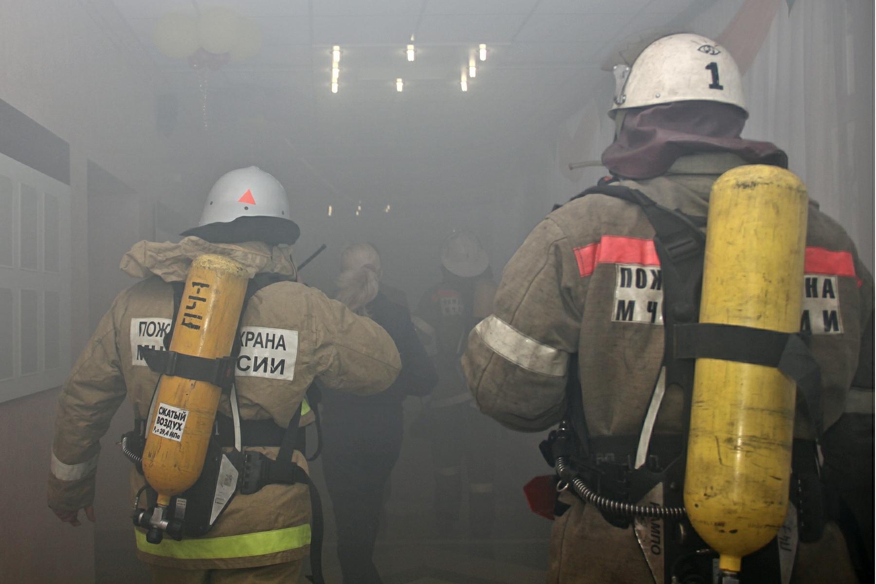 В Волгограде в жилых домах горели мусоропроводы и лифт