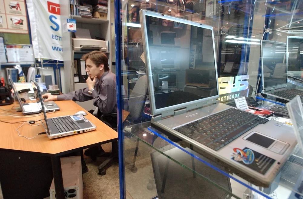 В России предлагается запретить продавать смартфоны и ноутбуки без отечественного ПО