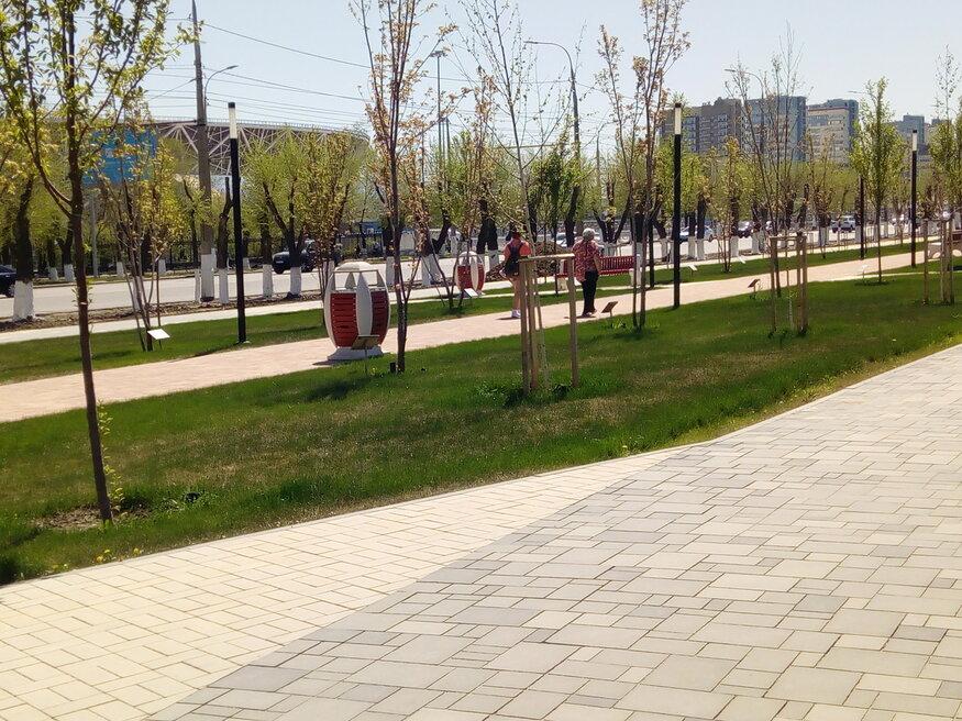 В Волгограде пьяный молодчик разгромил парк у Мамаева Кургана