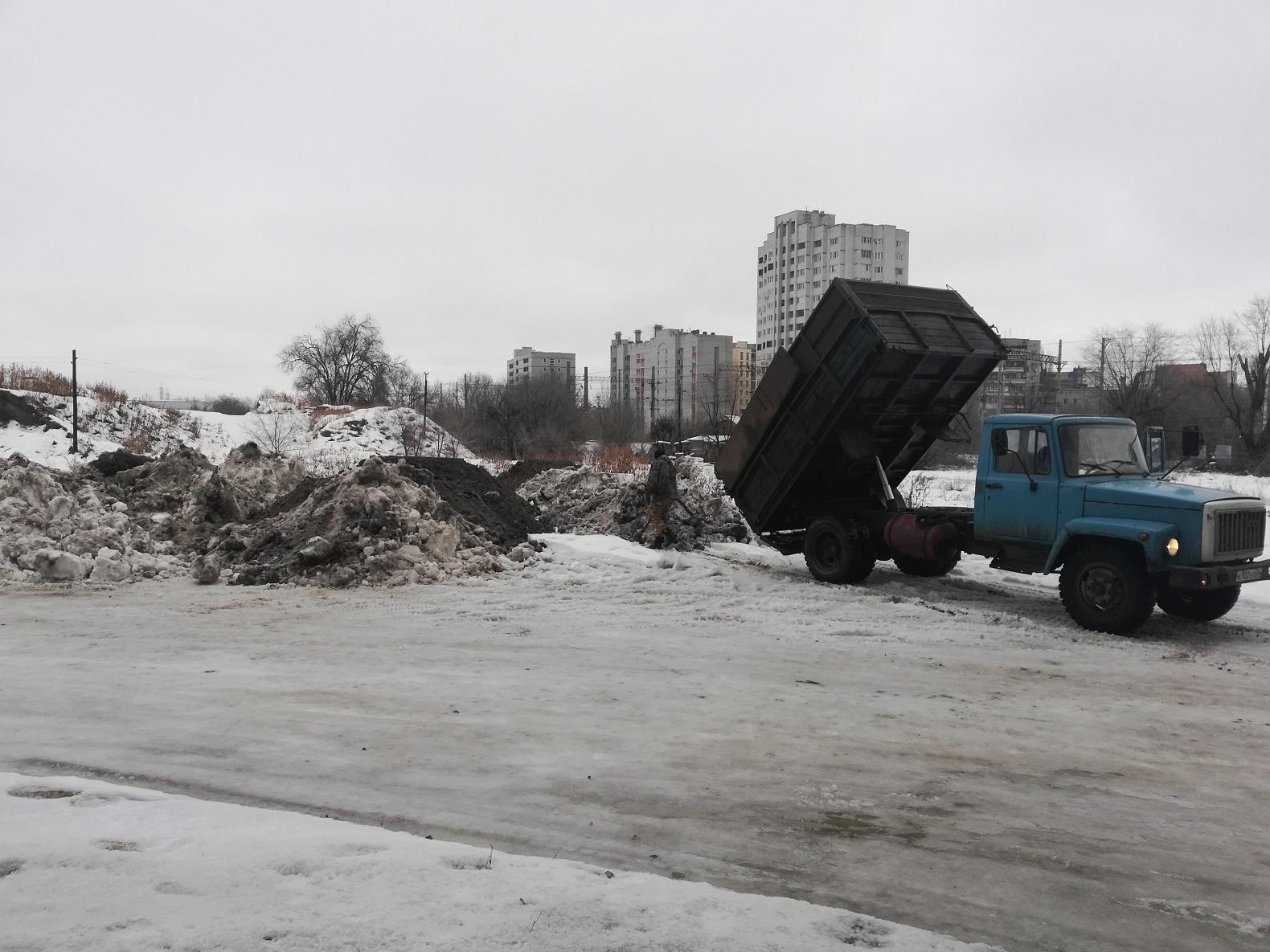 Активисты выяснили, куда отправляется грязный снег с волгоградских улиц