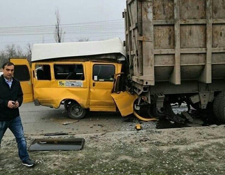 В Кировском районе в страшное ДТП попала маршрутка с пассажирами