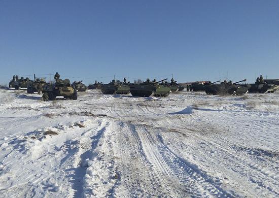 На полигоне Прудбой в Волгоградской области проверяют боевую готовность