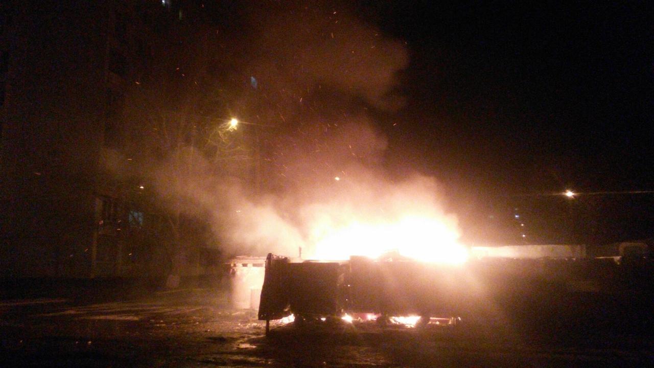 Волгоградцы устали терпеть мусорный коллапс и стали поджигать его