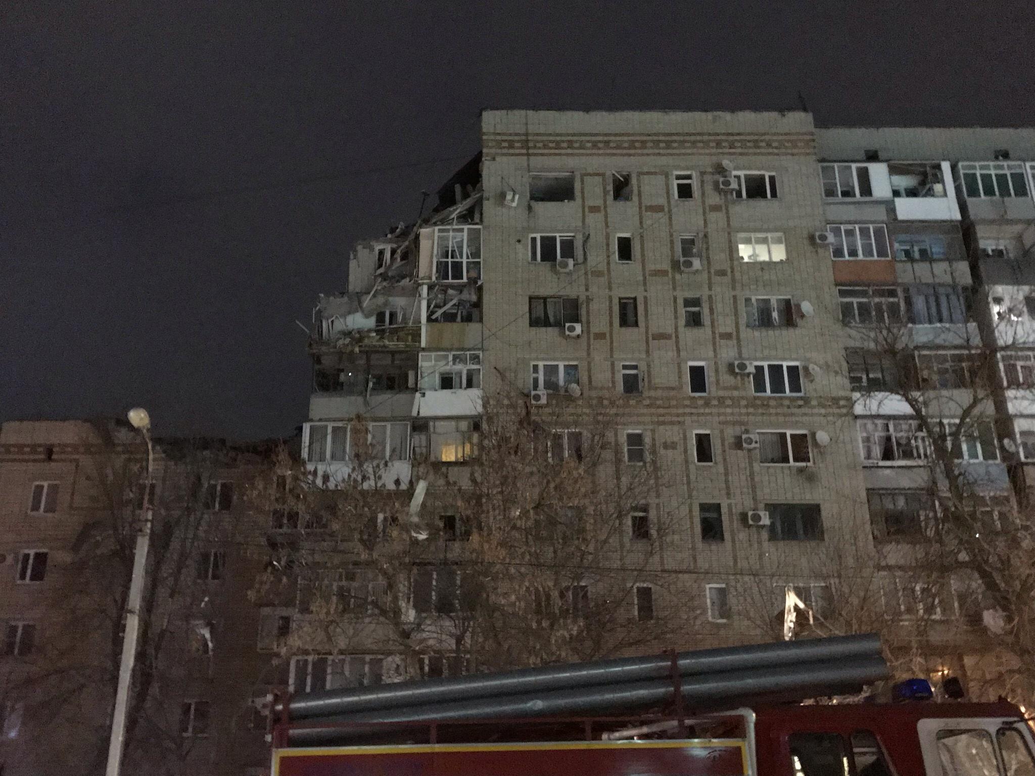 Взрыв бытового газа прогремел в многоэтажном доме в Ростовской области