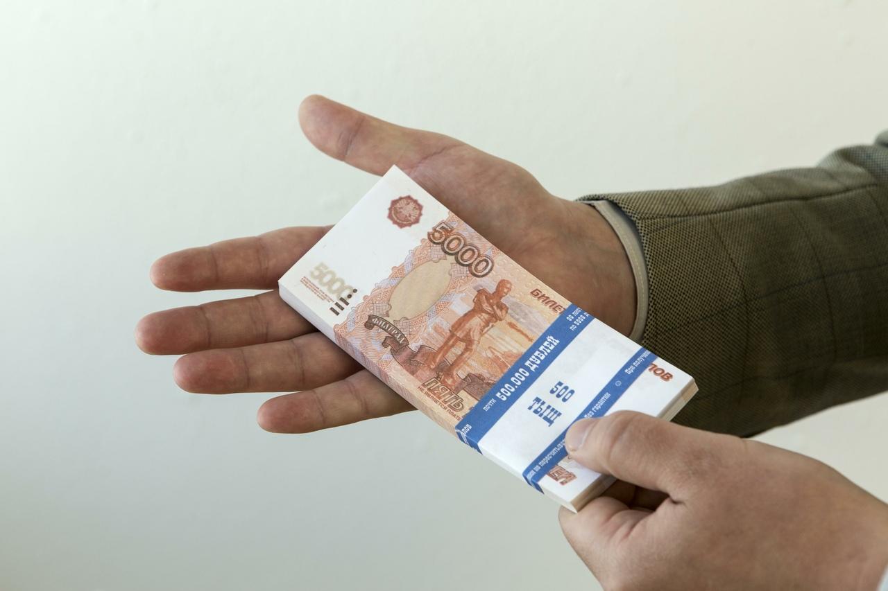Волгоградскому предпринимателю не удалось дать взятку сотруднику полиции