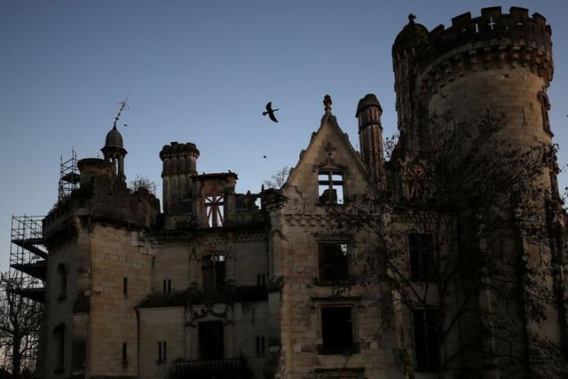 замок ужастик
