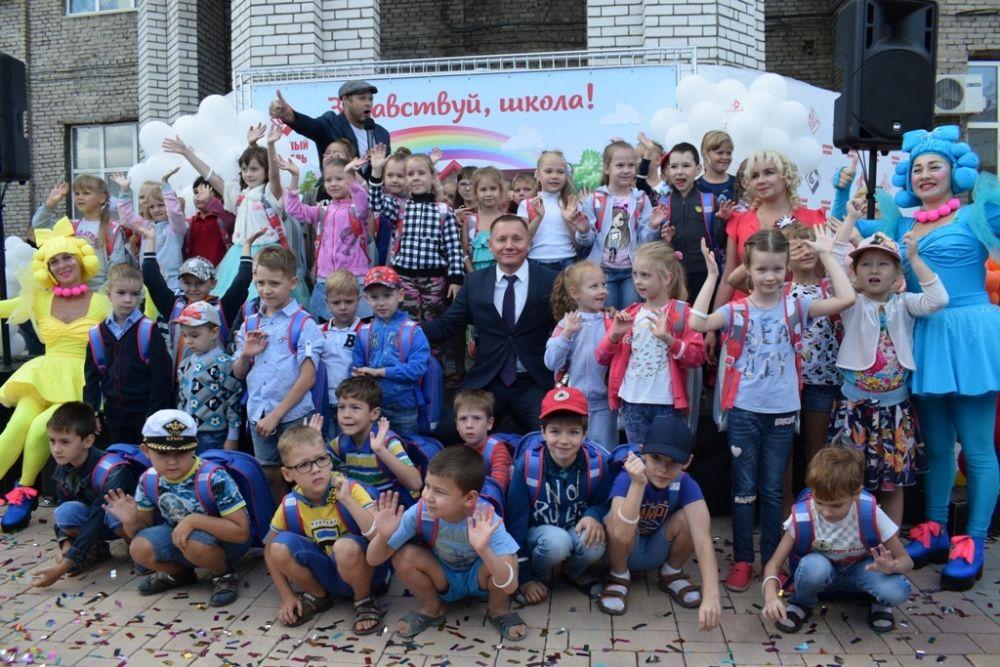 На «Красном октябре» устроили праздник для будущих первоклассников – детей заводчан