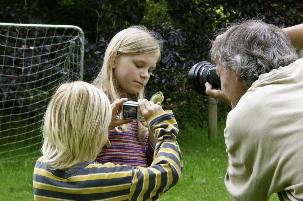 Роскомнадзор рассказал, как используются детские фотографии в интернете