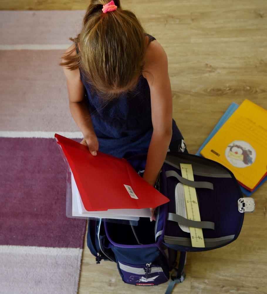 В облдуме рассказали, кто может рассчитывать на финансовую помощь в подготовке детей к учебному году