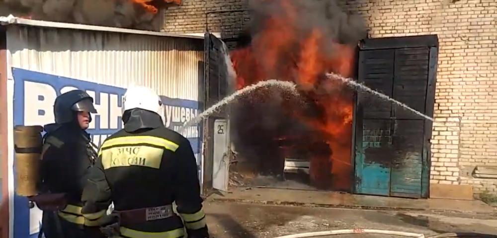 3 часа понадобилось спасателям, чтобы справиться с пожаром на рынке Тулака
