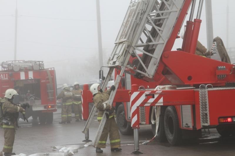 Волгоградские пожарные спасли жильца семнадцатиэтажной высотки