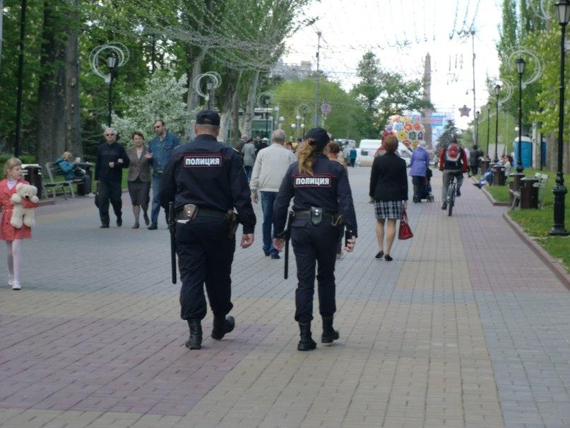 За нападение на полицейских мужчина получил 14 лет колонии строгого режима