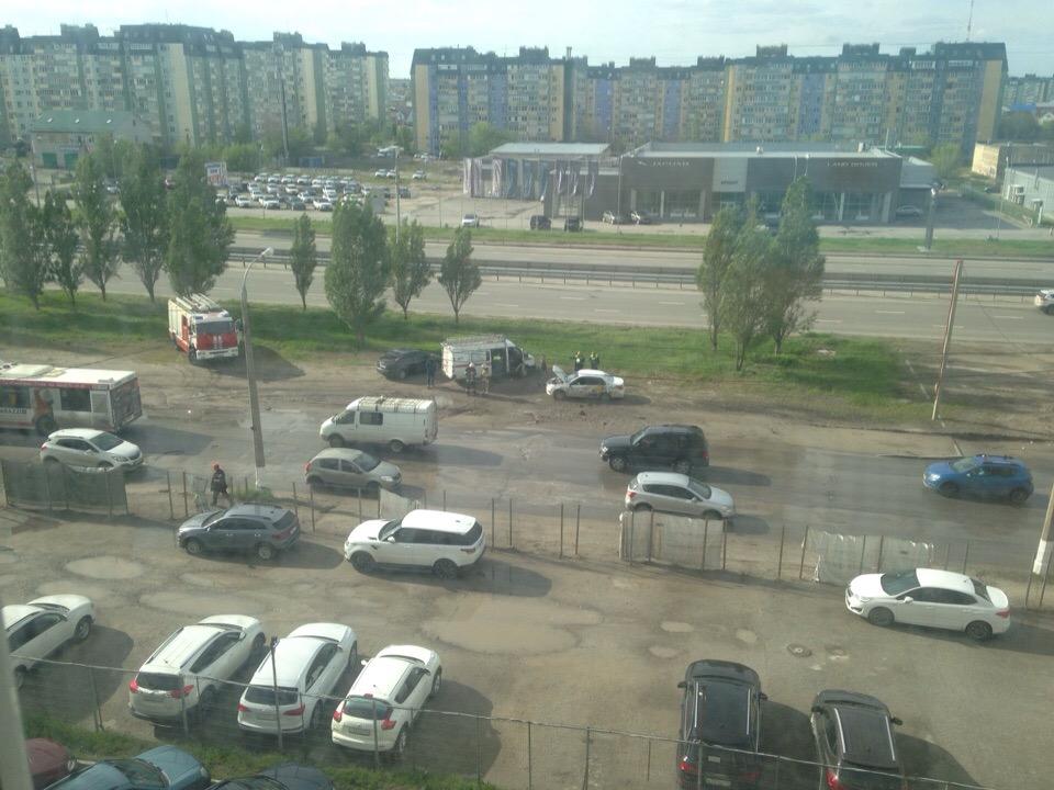 В Волгограде средь бела дня в аварии погиб мужчина