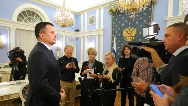 В РФ внедряют электронные паспорта. Но бумажным можно будет пользоваться до гробовой доски