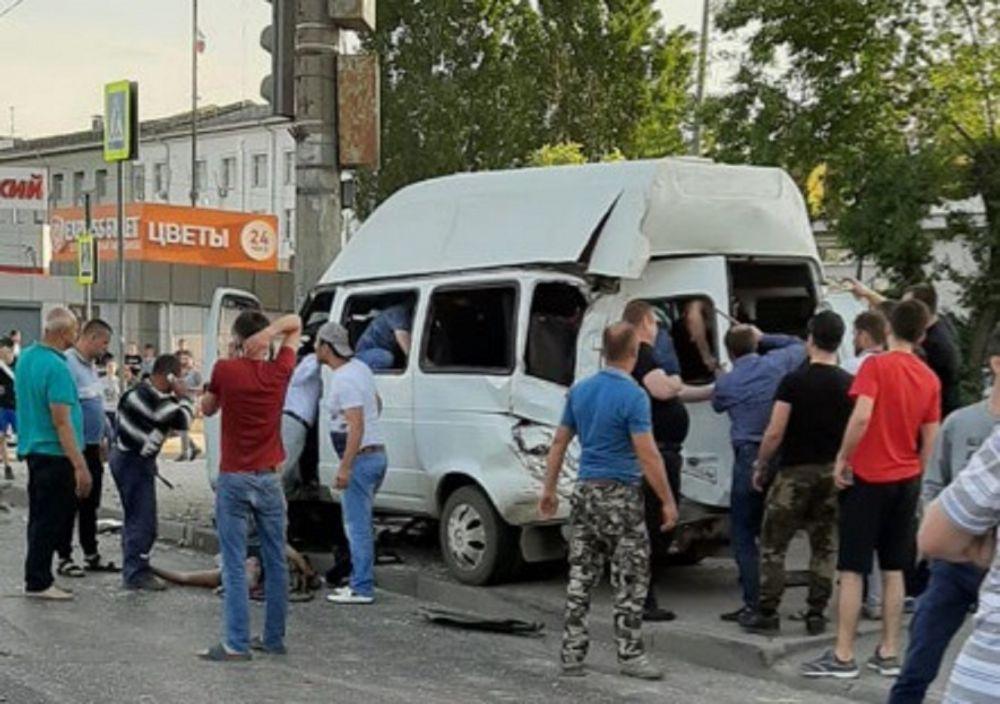 54-летний водитель МАЗа, протаранившего маршрутку с людьми, задержан