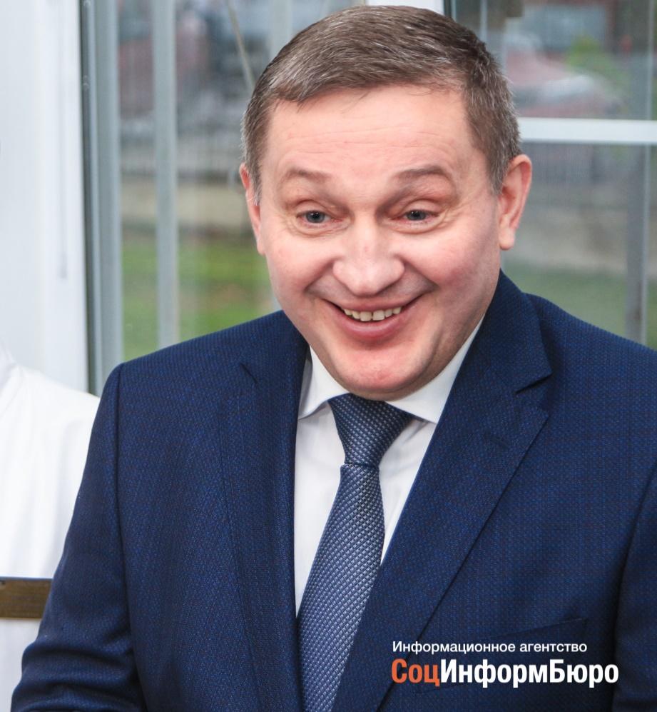Региональные партийные лидеры поздравили Бочарова с победой на выборах